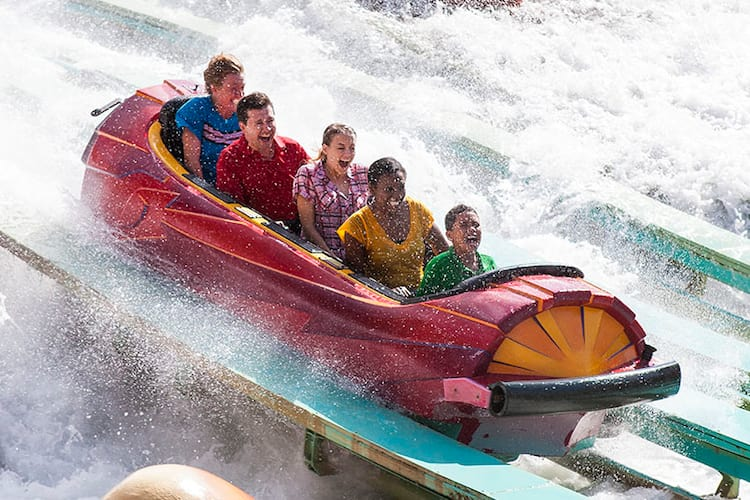 dudley-do-rights-ripsaw-falls-water-ride-splash-c